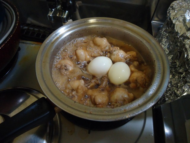 今夜のおかずは大人気フィリピン料理「チキンアドボ」