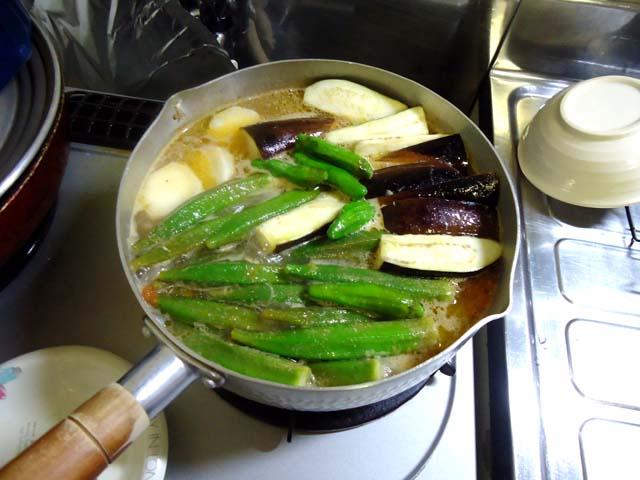 フィリピン料理シニガンの作り方