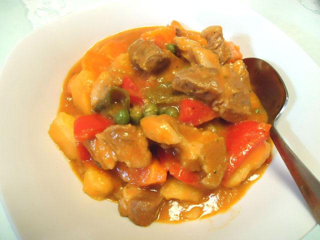 フィリピン料理 カルデレータ