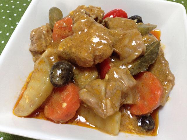【カルデレータ】お肉を柔らかく煮込んだフィリピン風シチューの味の決め手はこれ!