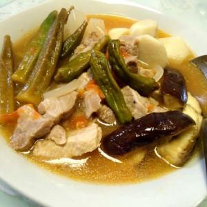 フィリピン料理 豚肉のシニガン