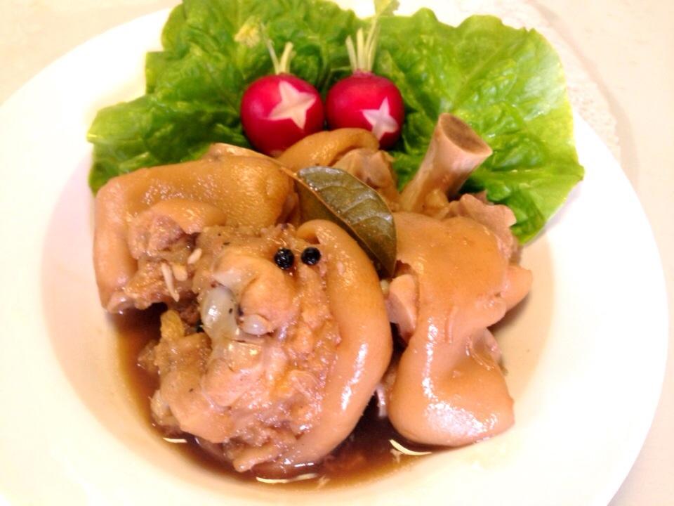 豚足煮込みフィリピン風